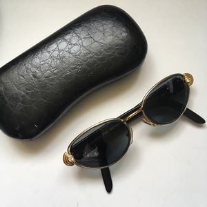 6ea3ccbb4f3 Gianfranco Ferre Accessories - Gianfranco Ferré Vintage Oval Frame  Sunglasses